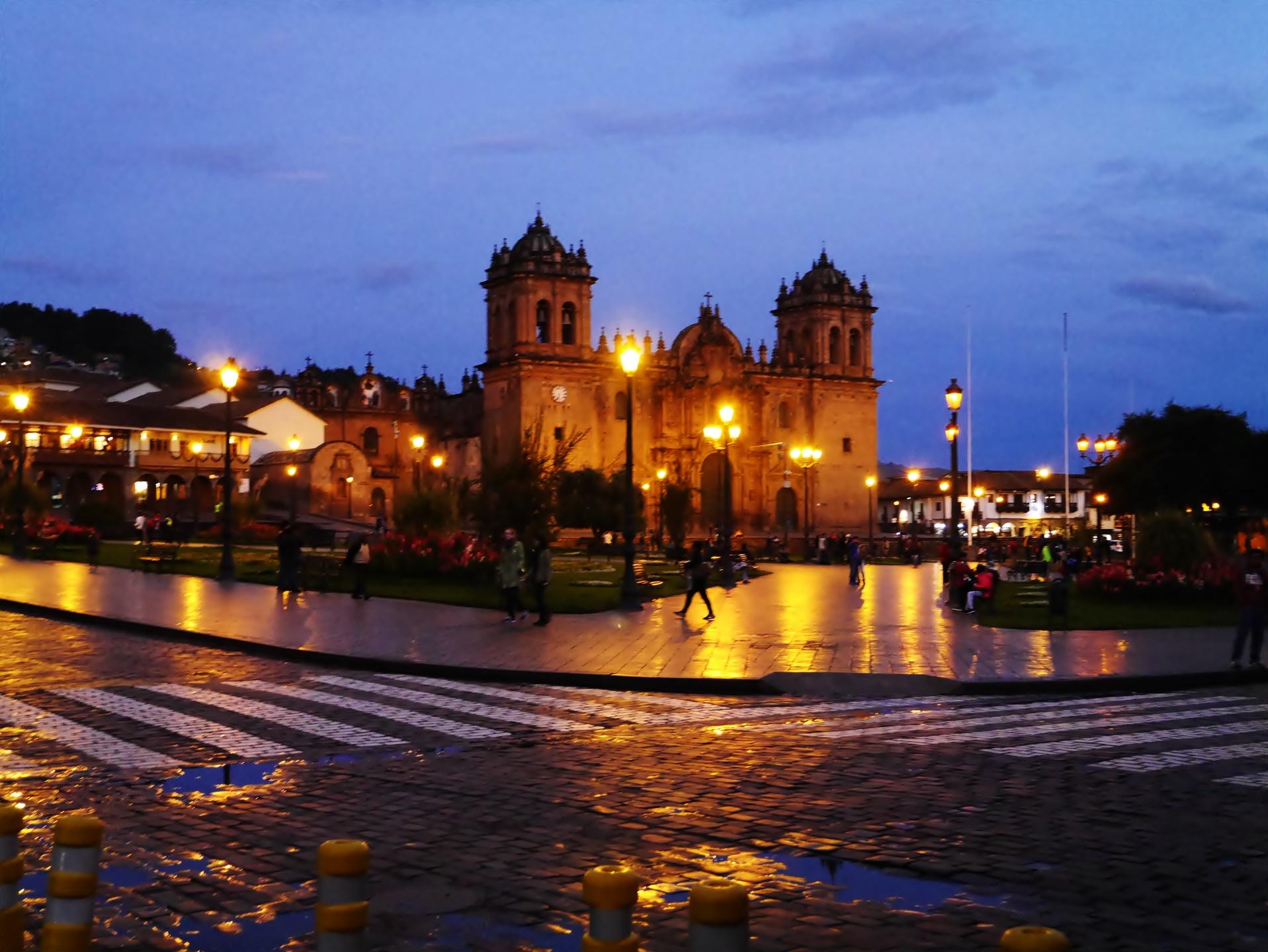 アルマス広場 夜景