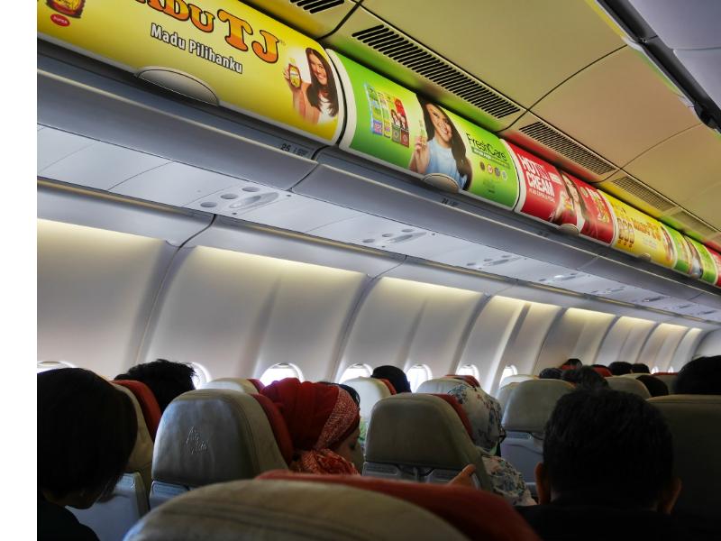 Air Asiaの機内。